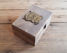 Load image into Gallery viewer, Wood Potions box OLLIVANDERS.