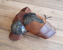Load image into Gallery viewer, Shieldmaiden Leather shoulder armor set.