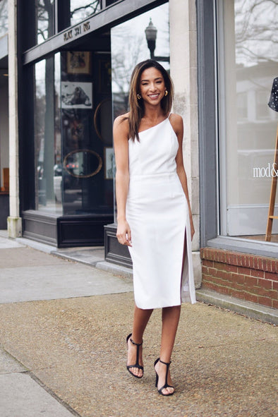 8 White Dresses Our Stylists Love