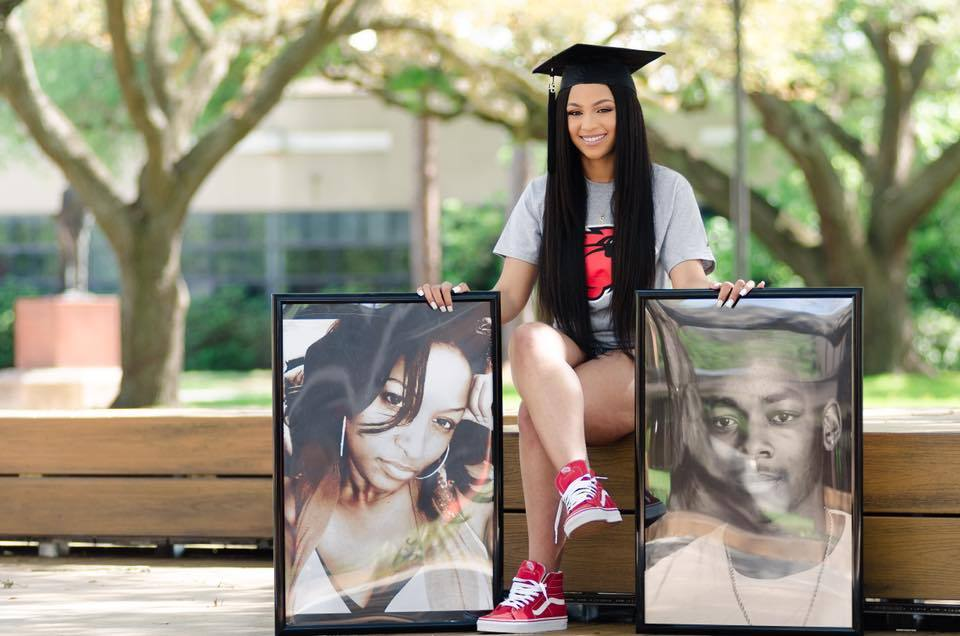 Soon-To-Be College Grad Uses Graduation Photo To Honor Her Late Parents