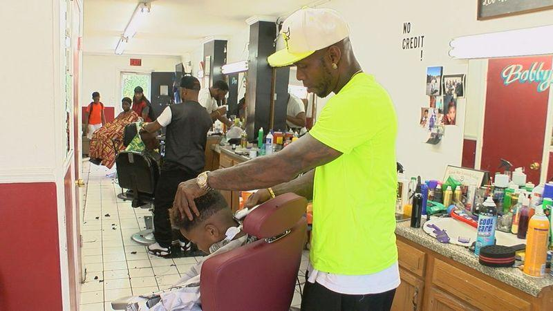 Alabama Barber Sends 100 Kids Back To School With Free Haircuts And Backpacks