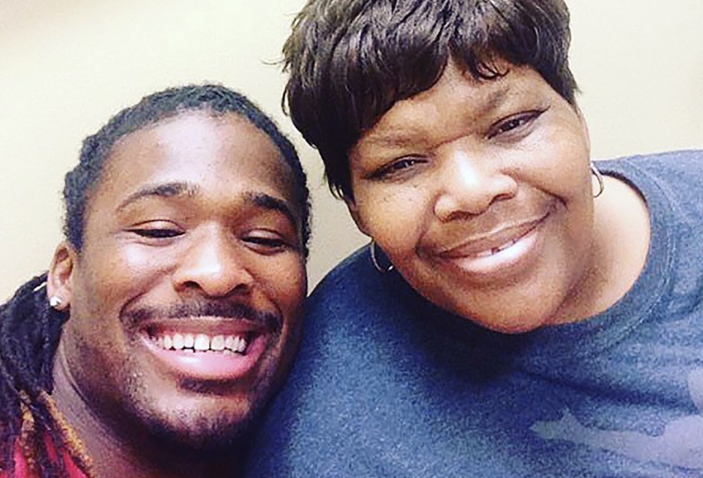Former NFL Player Pays for 500 Mammograms To Honor Mom Who Died of Breast Cancer