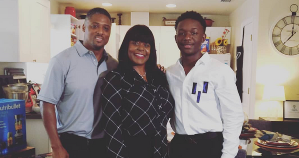Former NFL Player Surprises Single Mom With New Home