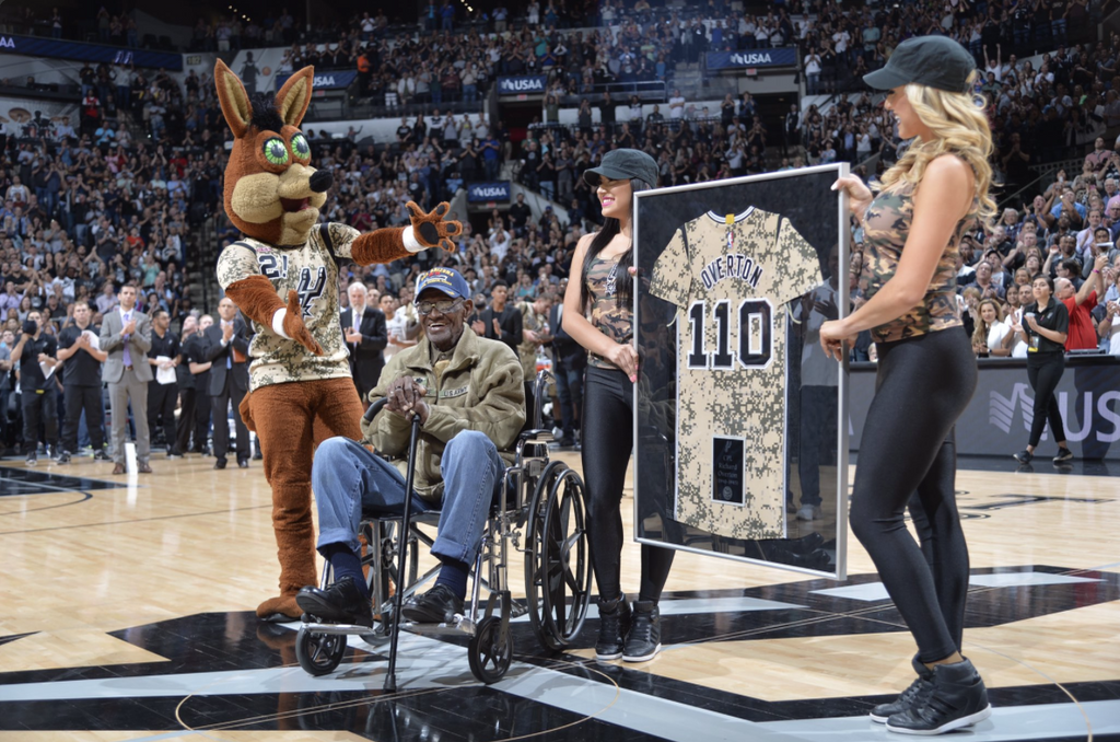 Spurs Honored Richard Overton, The Oldest Living WWII Veteran During Game