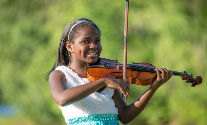 10-Year-Old Musical Prodigy Honors Aretha Franklin With A Violin Rendition Of 'Natural Woman'