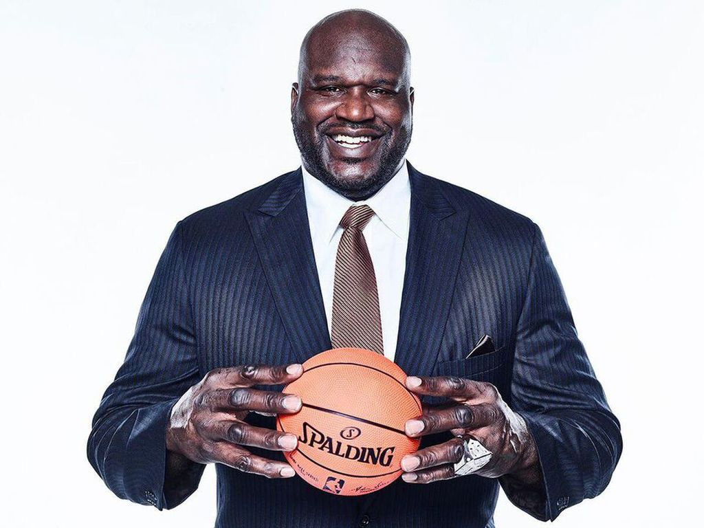 While Shopping NBA Icon Shaquille O'Neal Surprises A Stranger By Paying Off His Engagement Ring