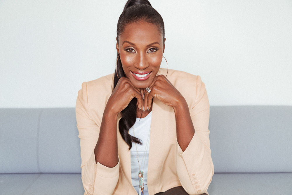 Lisa Leslie Becomes First Woman to Receive Statue Outside of the Staples Center
