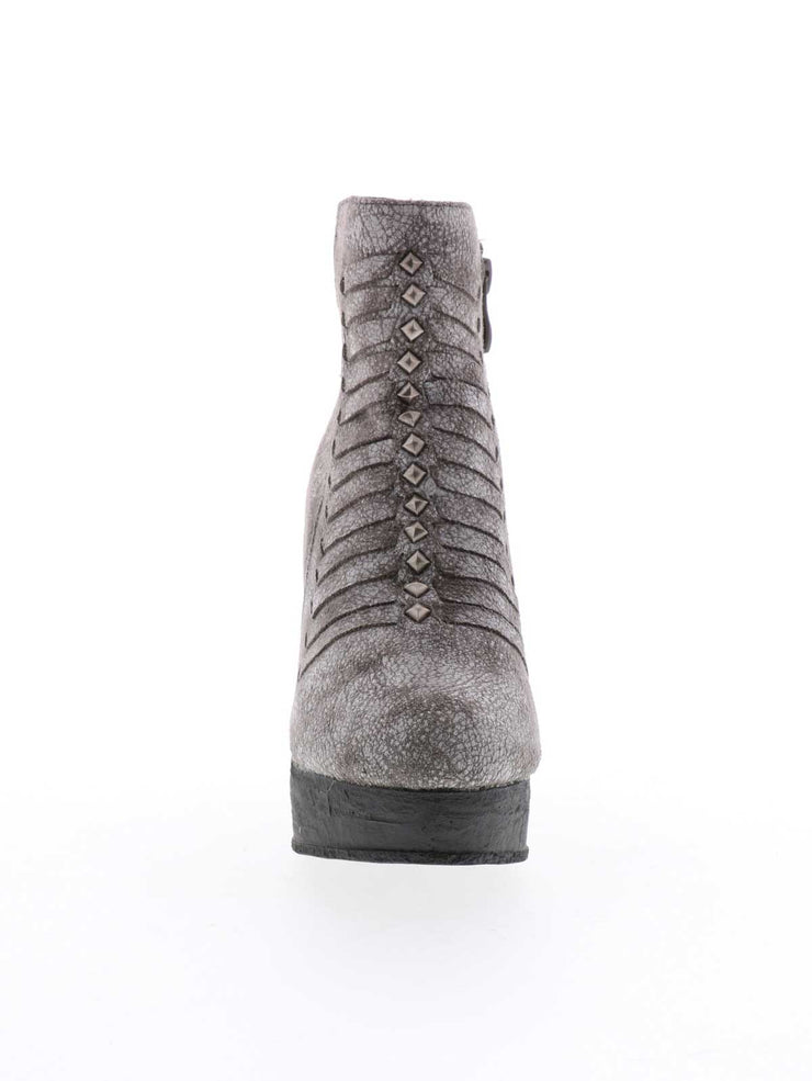 NYLE, women's BOOT - SBICCA Footwear