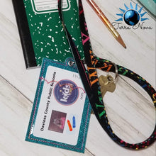 Load image into Gallery viewer, Key chain wallet two styles and 4 variations 5x7 hoop ITH design DIGITAL DOWNLOAD
