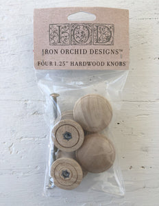 IOD WOODEN KNOBS 1.25 4 PACK