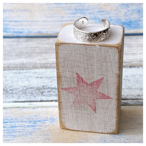 Stormy Seas Toe Ring