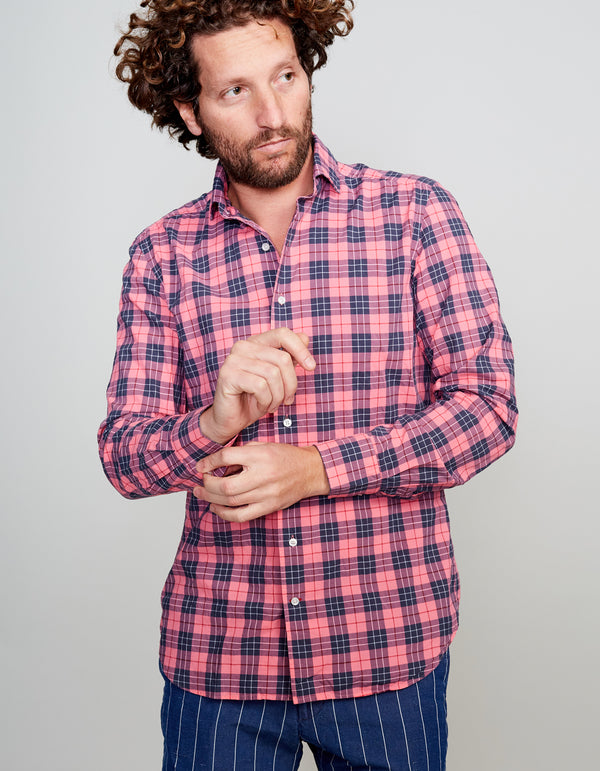 WASHED FEATHER WEIGHT TARTAN SPREAD COLLAR SHIRT