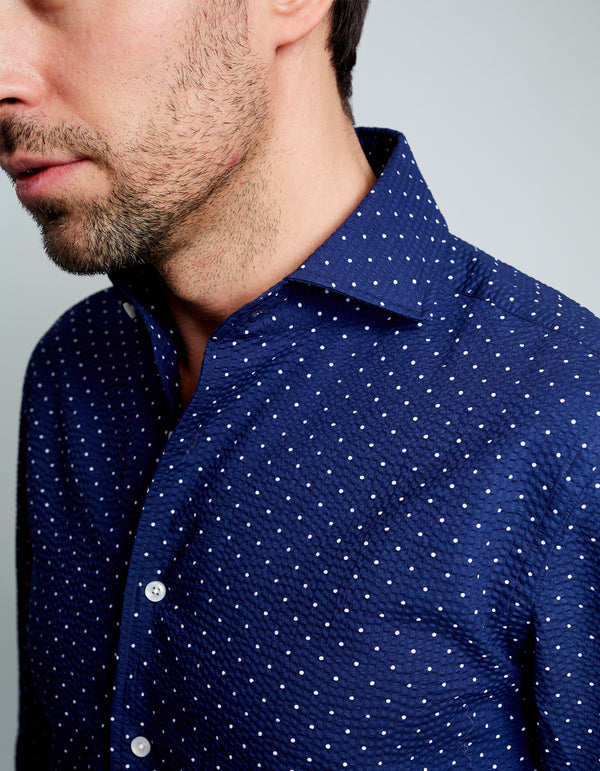 NAVY SEERSUCKER POLKA DOTS SPREAD COLLAR SHIRT