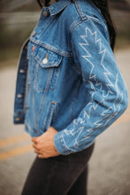 Load image into Gallery viewer, Levi's Ex-boyfriend Trucker Jacket