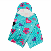 Load image into Gallery viewer, Minnie Mouse Hooded Towel