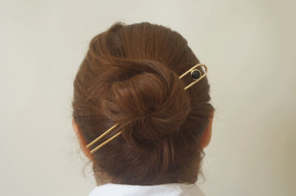 ONYX BRASS HAIR PIN - Aleishla