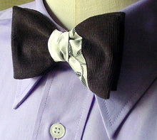 Load image into Gallery viewer, Pre Tied Designer Bowtie in Silver Grey, Mens Retro 40s Clip On Tie