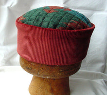 Load image into Gallery viewer, Aztec hippie hat handmade in red and green