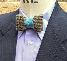 Load image into Gallery viewer, Asymmetrical Clip On Bowtie in Blue Wool Silk, Mens Retro 1950s Style Fashion