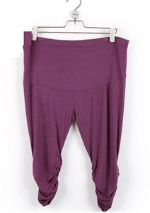 Maternity capris leggings - Bump Closet Maternity Clothes