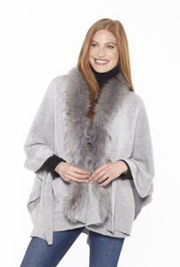 Beautiful-Woman-Wearing-Wool-Shawl-with-Fur-Trim-by-Linda-Richards-KN37