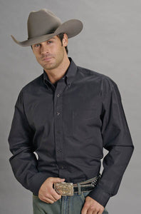 Man-Wearing-Black-Button-Down-Dress-Shirt-by-Stetson