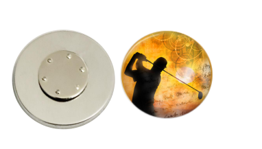 Magnetic Pin Back | Golfer | Sunset Background | Badges and Buttons Club