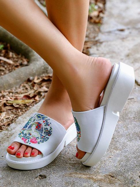 Embroidered Peep-toe Slides Shoes WHITE 35