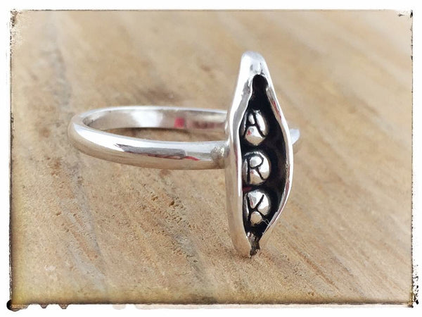 "Personalised Family "" Pea's in a pod"" Ring"