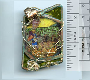 Vincent Bottle Glass Brooch 03 - PatriArts Gallery