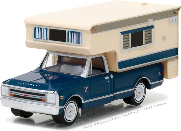 GreenLight 1/64 1968 Chevy C10 Cheyenne with Large Camper (Hobby Exclusive)  - #29878