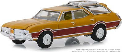 GreenLight 1/64  Estate Wagons Series 3 - 1970 Oldsmobile Vista Cruiser - Nugget Gold Poly and Wood Grain Solid Pack #29950-C