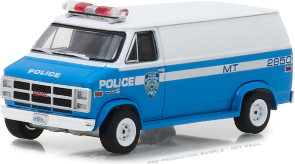 GreenLight 1/64 Hot Pursuit Series 28 - 1987 GMC Vandura - New York City Police Dept (NYPD) Solid Pack #42850-C