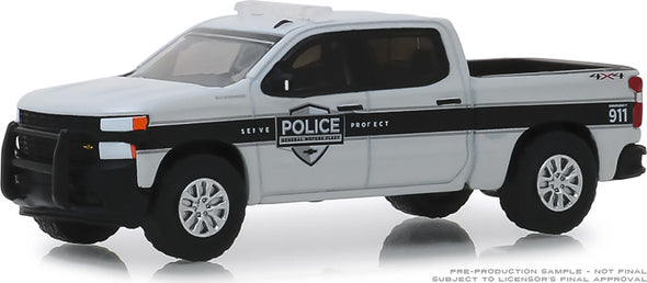 GreenLight 1/64 Hot Pursuit Series 32 - 2019 Chevrolet Silverado SSV General Motors Fleet Police Solid Pack #42890-F