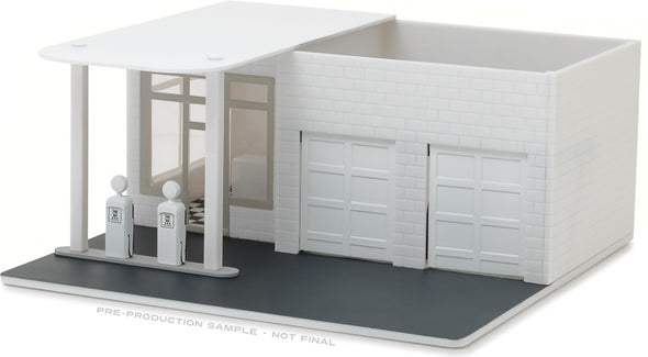 GreenLight 1/64 Mechanic's Corner - Vintage Gas Station - Plain White (Hobby Exclusive) - #57014