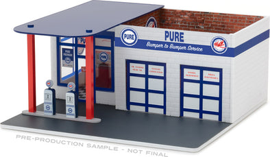 GreenLight 1/64 Mechanic's Corner Series 3 - Vintage Gas Station Pure Oil Solid Pack - #57031