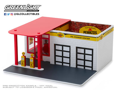GreenLight 1/64 Mechanic's Corner Series 5 - Vintage Gas Station Pennzoil 10 Minute Oil Change Center Solid Pack - #57052