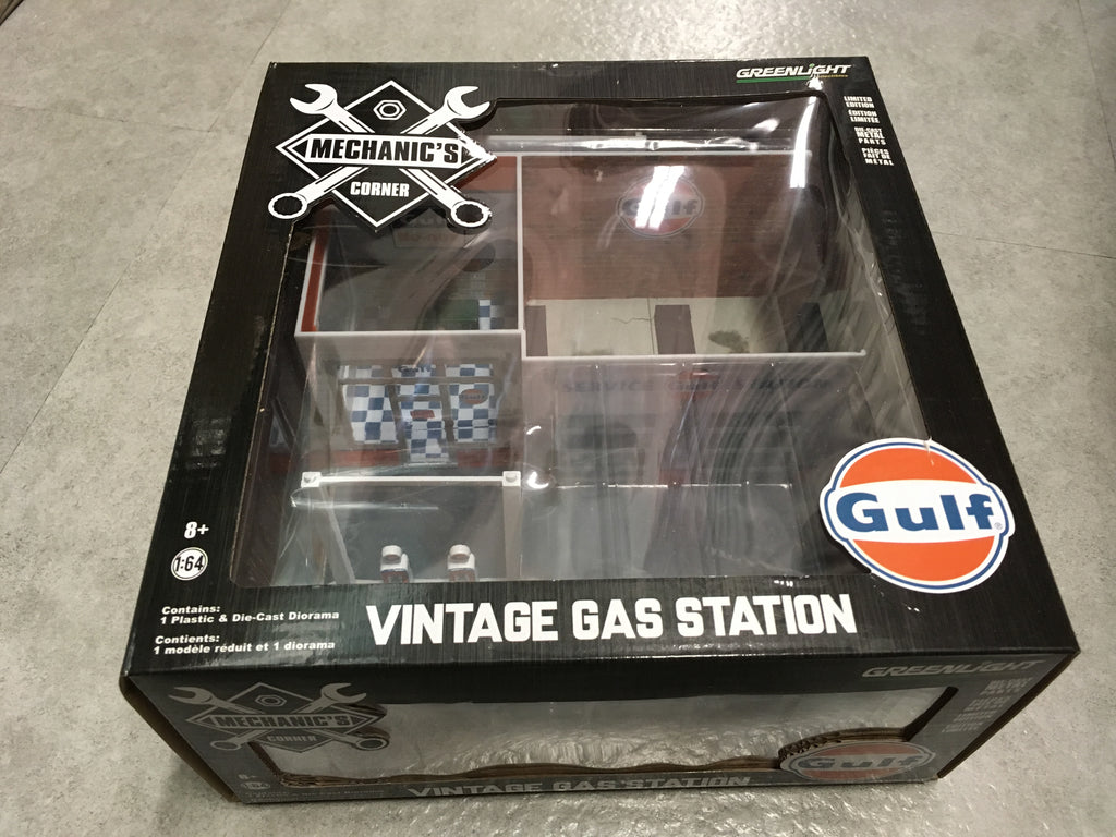 *GREEN MACHINE* GreenLight 1/64 Mechanic's Corner Series 1 - Vintage Gas Station Gulf Oil Solid Pack - #57012