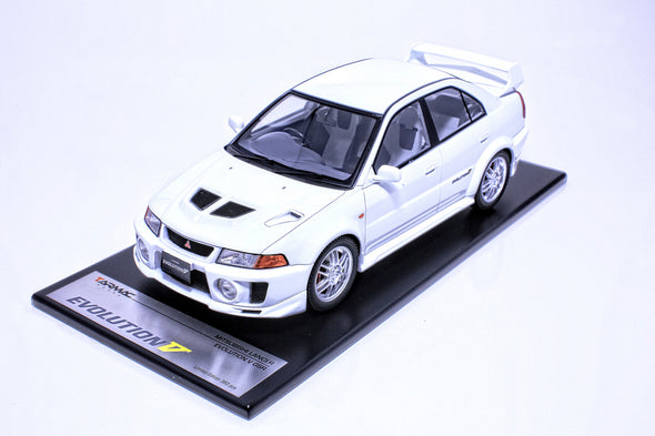 Tarmac Works 1/18 Mitsubishi Evolution V GSR White - T03-WH