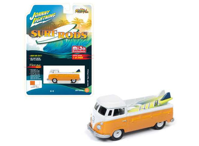 Johnny Lightning 1/64 1962 Volkswagen T2 pick-up, orange/white