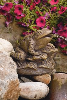 Statue-Frog On Leaves (Plumbed)