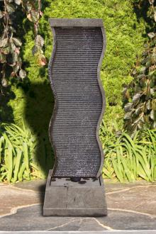 Curved Water Wall Fountain