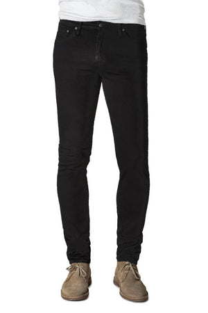 S.M.N Studio's Finn in Onyx Men's Jeans. A tapered slim fit jean in black comfort stretch premium sustainable Italian denim