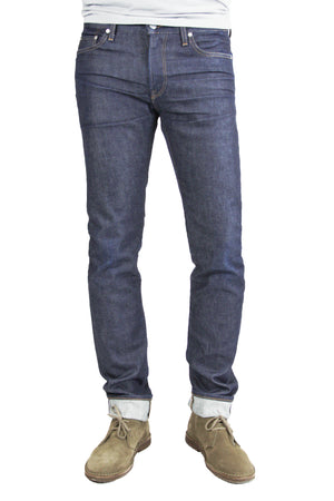 S.M.N Studio's Hunter in Jace Men's Jeans. A slim stretch selvedge jean in a raw denim wash made from a comfortable and premium Japanese stretch selvedge denim.