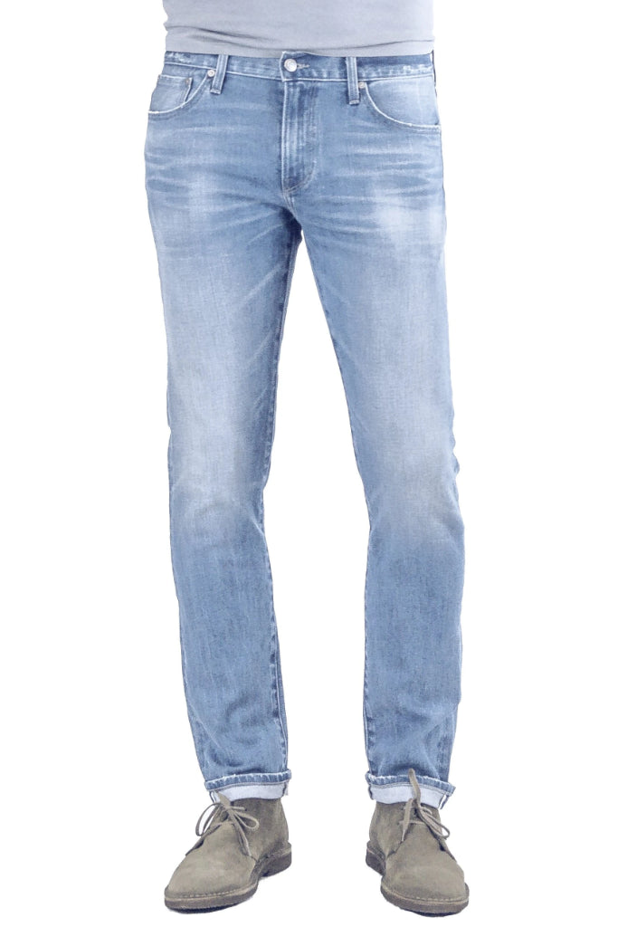 S.M.N Studio's Finn in Vista Men's Jeans - Tapered Slim stretch selvedge jeans in a light blue wash made in premium Japanese denim