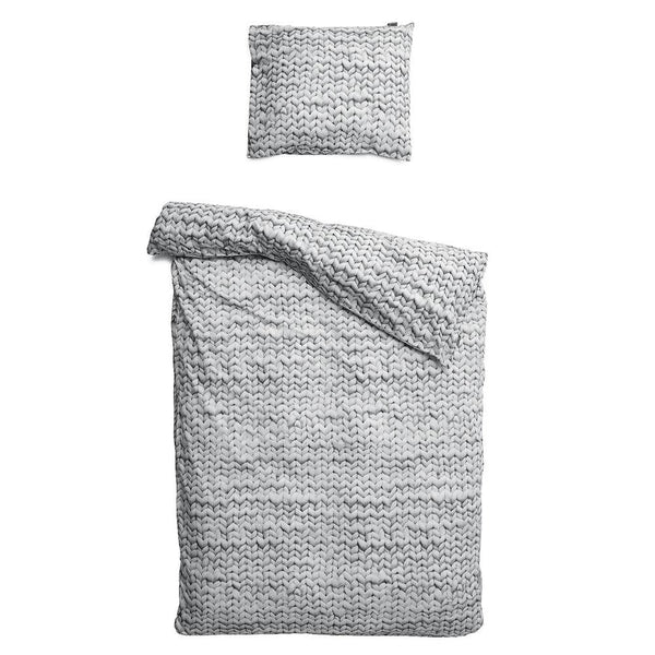 yarn_grey_duvet.jpg