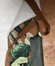 Load image into Gallery viewer, Apron in ocher / green monkey print