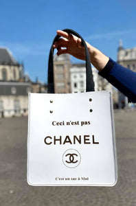 "Bag ""Ceci n'est pas Chanel"" The white One"