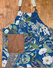 Load image into Gallery viewer, Reversible  apron