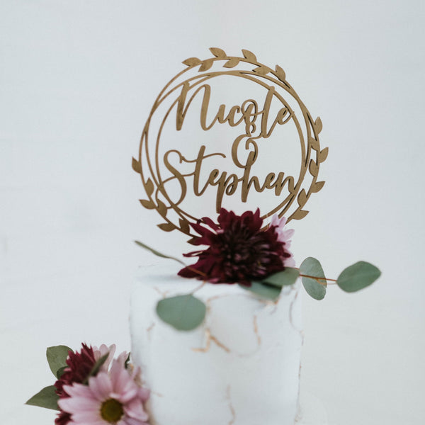 Couple's Name Wreath Cake Topper